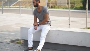 Białe spodnie męskie