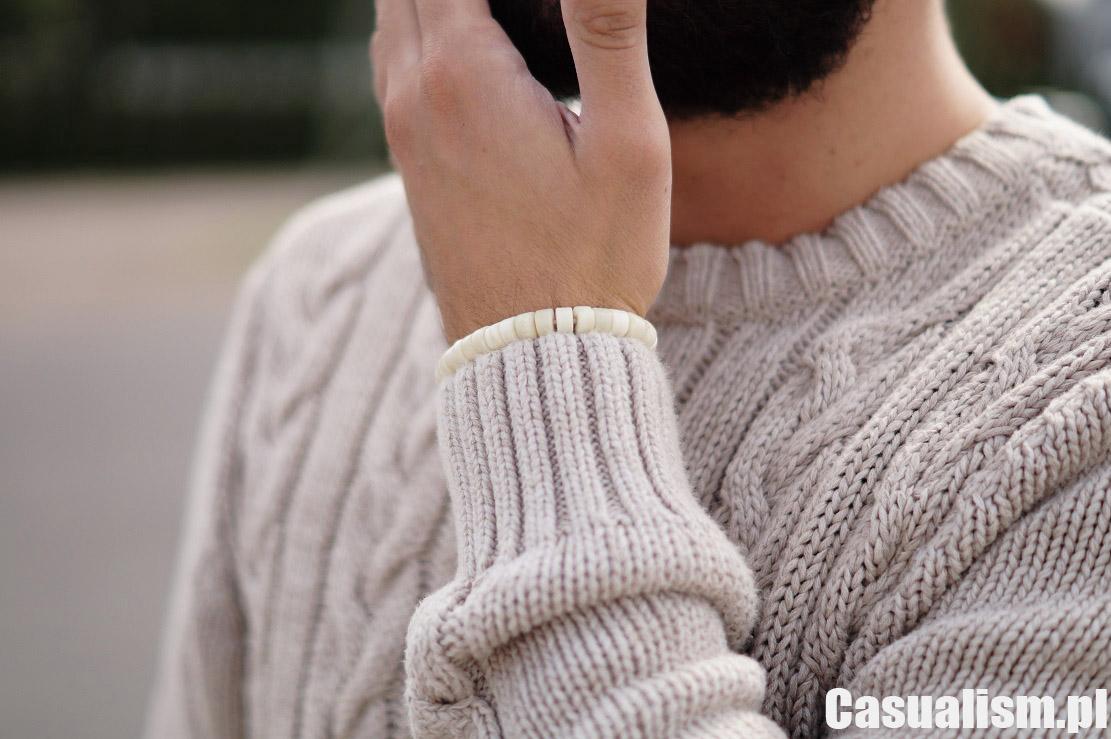 Sweter w splot warkoczowy