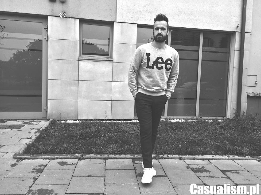 Szara bluza Lee, bluza szara melanż, melanżowe bluzy męskie, męski styl casual, casual dla faceta, jak ma się ubierać facet, styl młodzieżowy