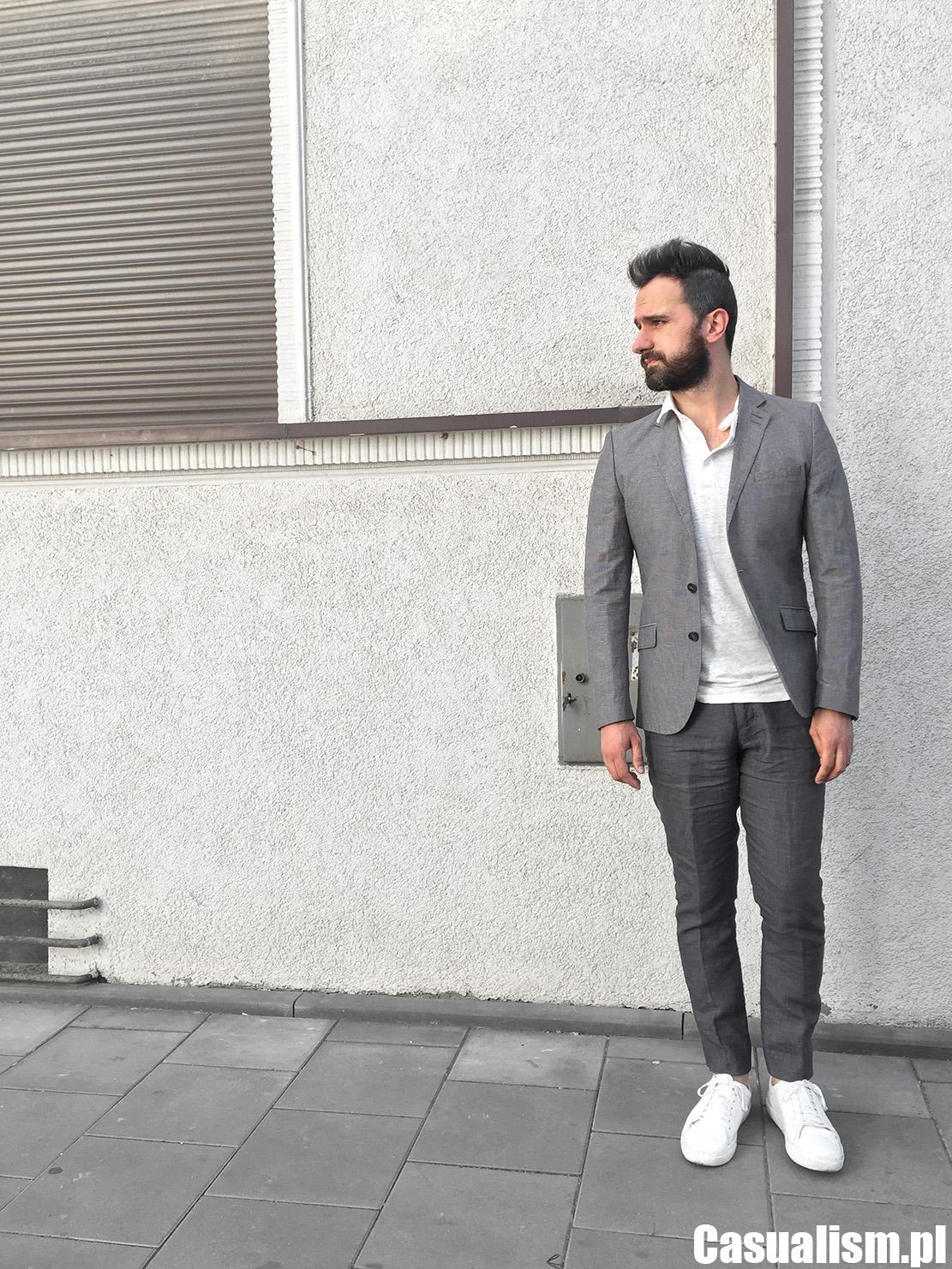 Marynarka lniana, lniane spodnie w kant, lniane ubrania męskie, styl dla mężczyzny, męski styl casual, męskie ubrania półformalne, białe buty, białe buty do garnituru, sportowe buty do garnituru.