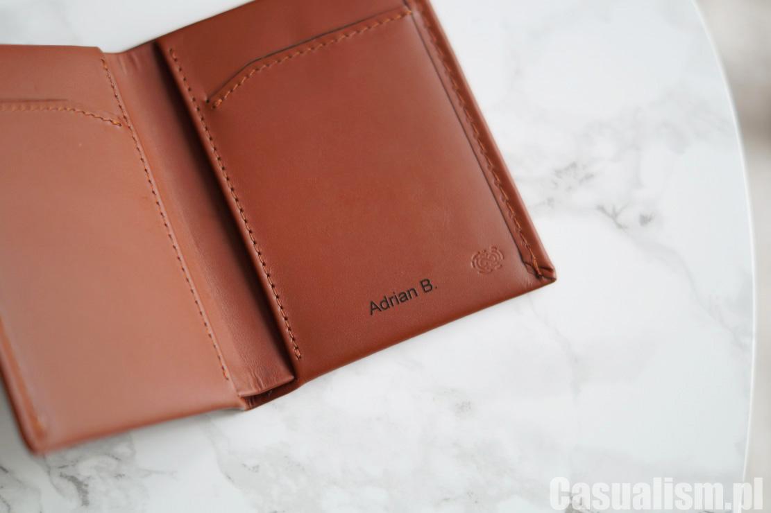 Męski portfel, portfel męski mały, mały portfel dla mężczyzny, męski portfel skórzany, skórzany portfel, portfele modne, modny portfel męski