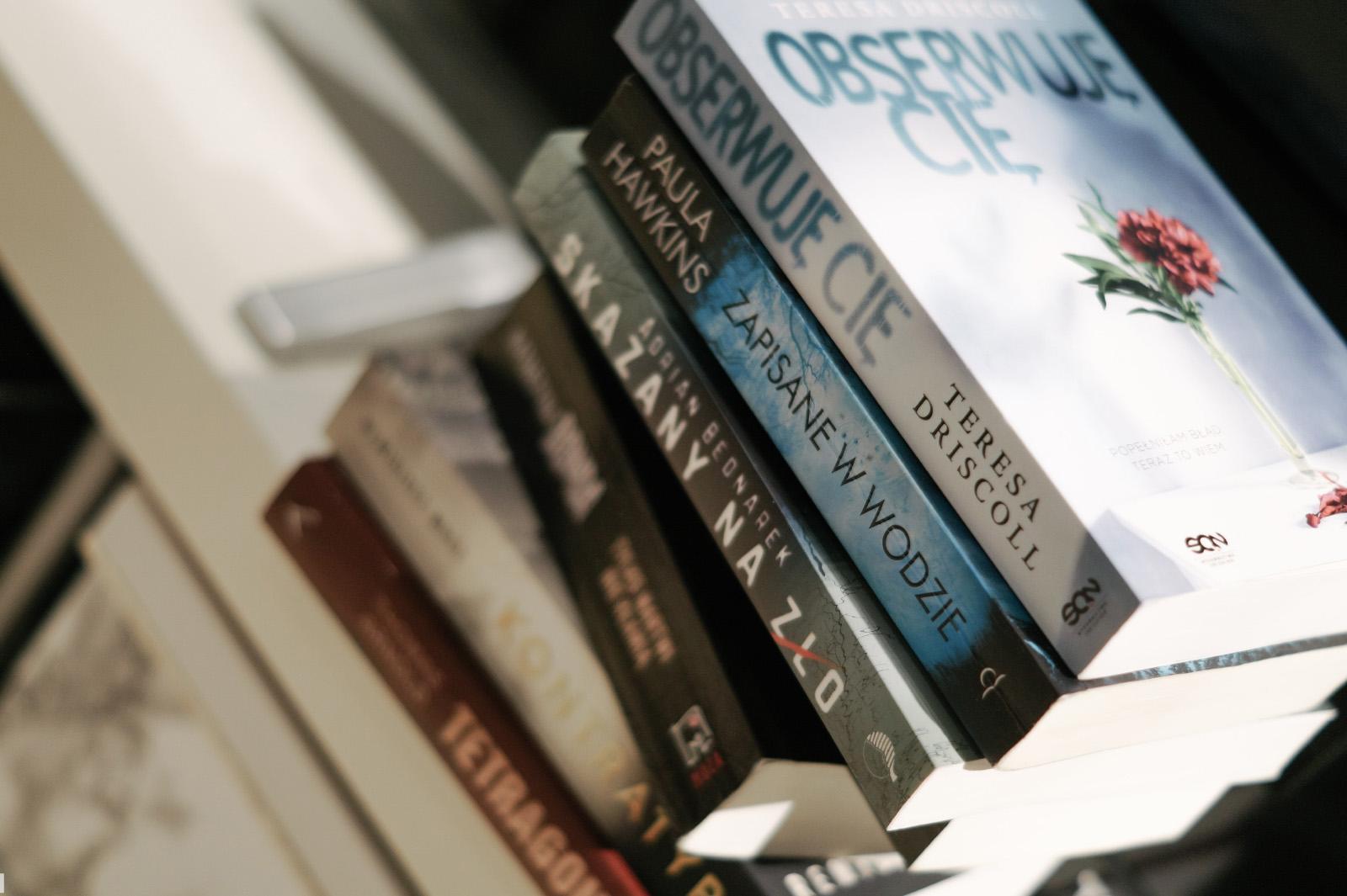 książka na prezent, prezent książka, prezent książkowy, jaka książka na prezent, prezenty książki